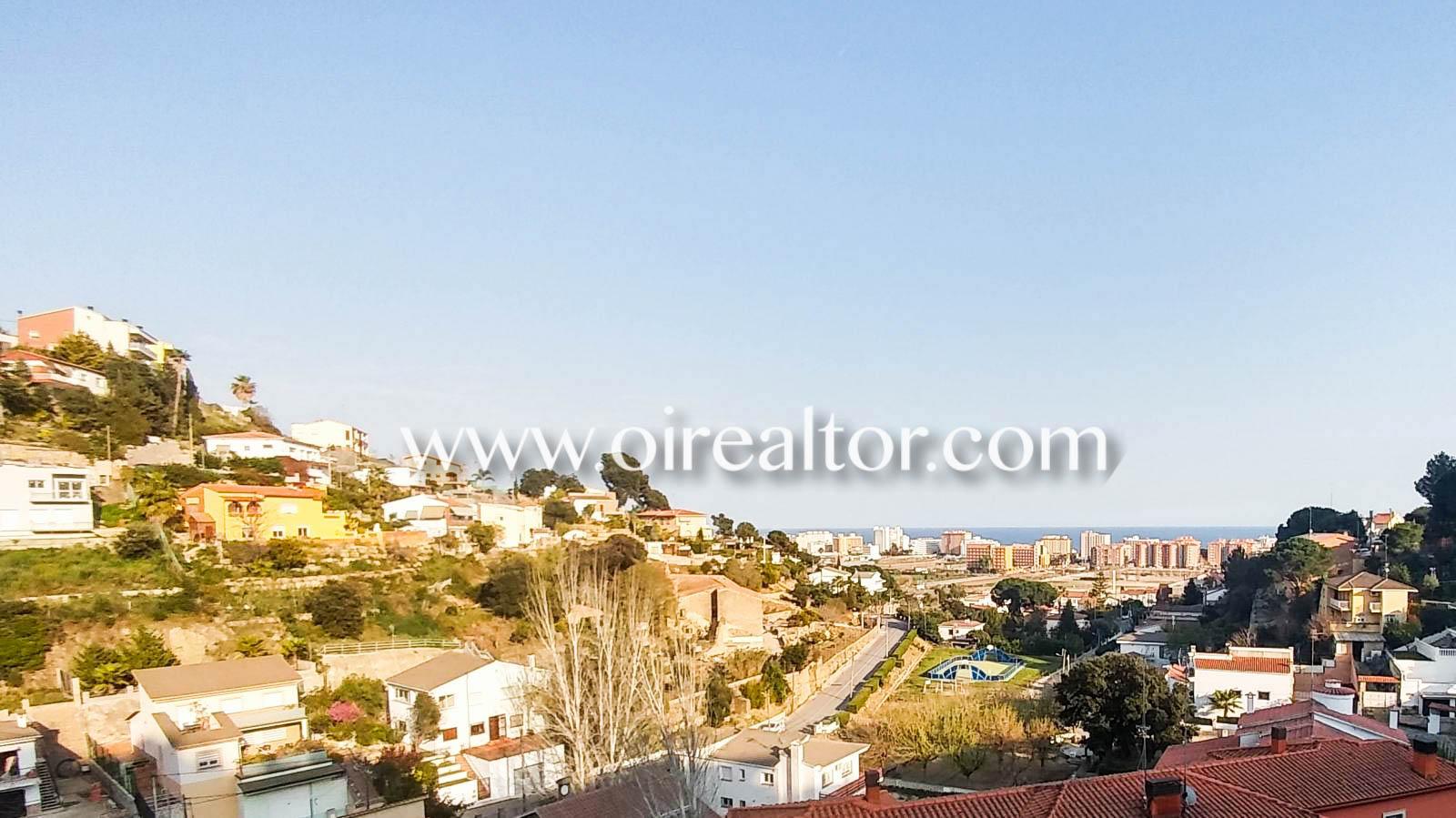 Продается дуплекс с видом на море в Санта-Сусанне
