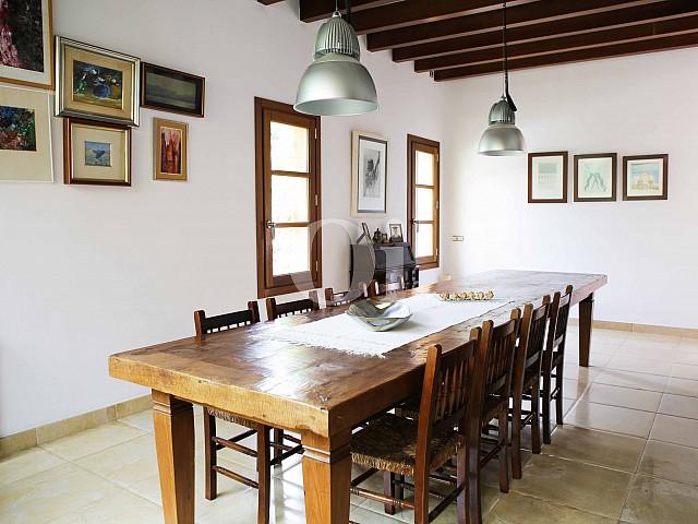 Comedor de villa exclusiva en venta en Mallorca próxima a Manacor