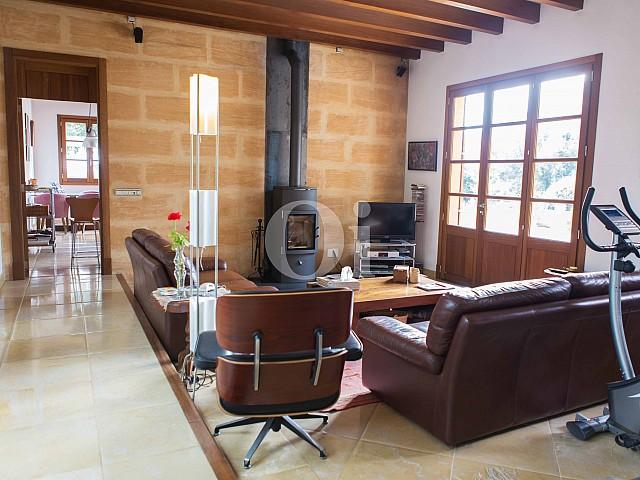 Sala de estar de villa exclusiva en venta en Mallorca próxima a Manacor
