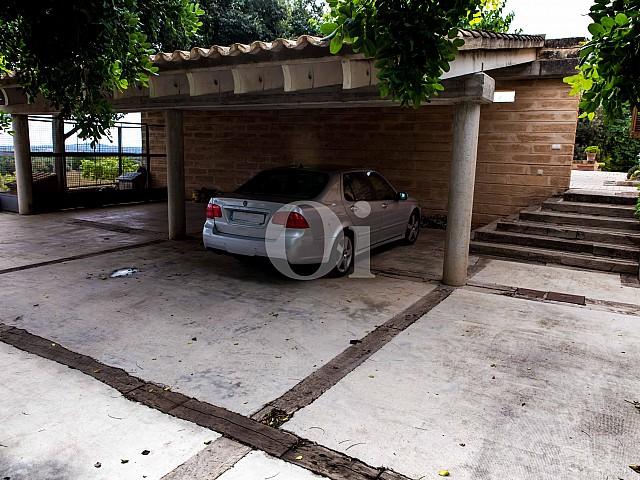 Garaje de villa exclusiva en venta en Mallorca próxima a Manacor