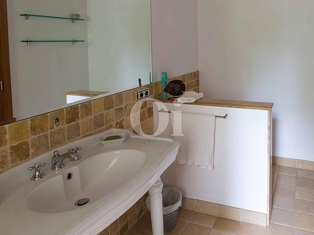 Baño de villa exclusiva en venta en Mallorca próxima a Manacor