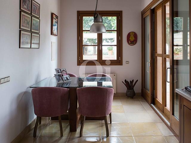 Salón-comedor de villa exclusiva en venta en Mallorca próxima a Manacor