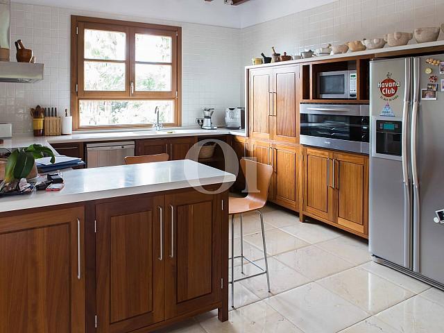 Cocina de villa exclusiva en venta en Mallorca próxima a Manacor