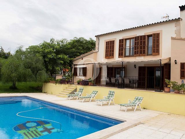 Piscina propia de preciosa casa de campo en venta en Manacor, Mallorca