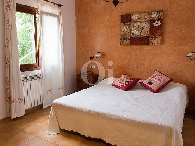 Dormitorio de preciosa casa de campo en venta en Manacor, Mallorca