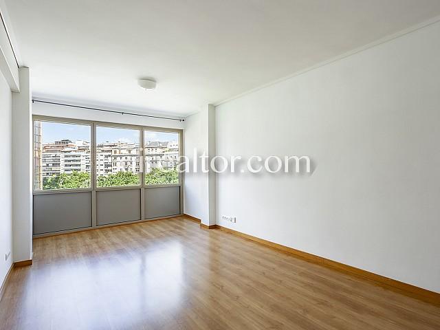 01 Salón, piso en venta en Barcelona