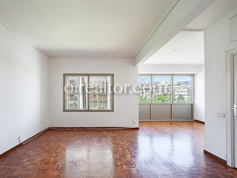 Продается квартира в Plaza Francesc Macia, Барселона