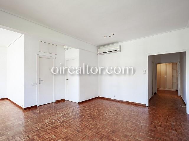 10 Salón, piso en venta en Barcelona