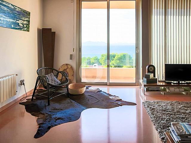 Sala de estar de moderna villa en venta en Artá, Mallorca
