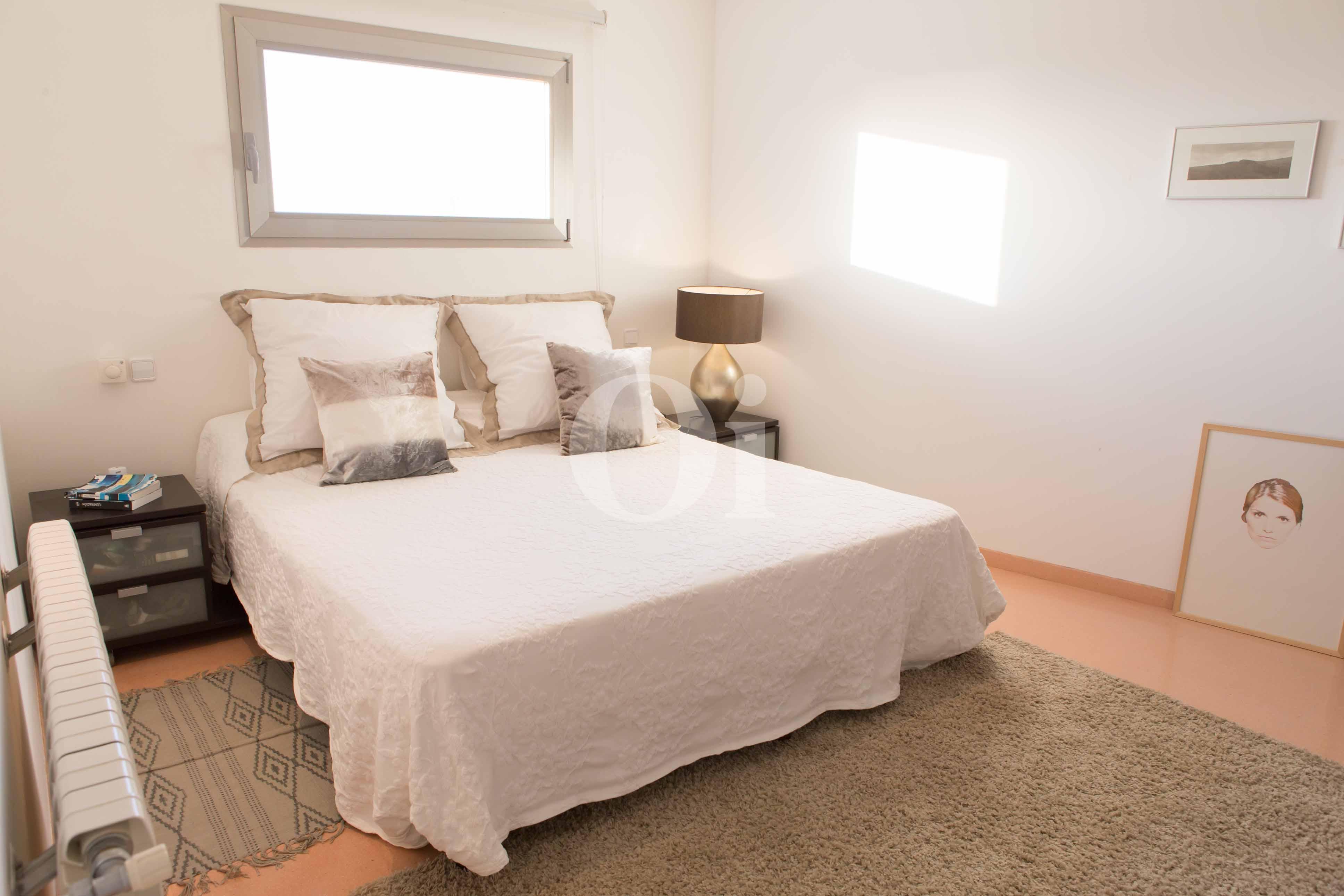 Dormitorio de moderna villa en venta en Artá, Mallorca
