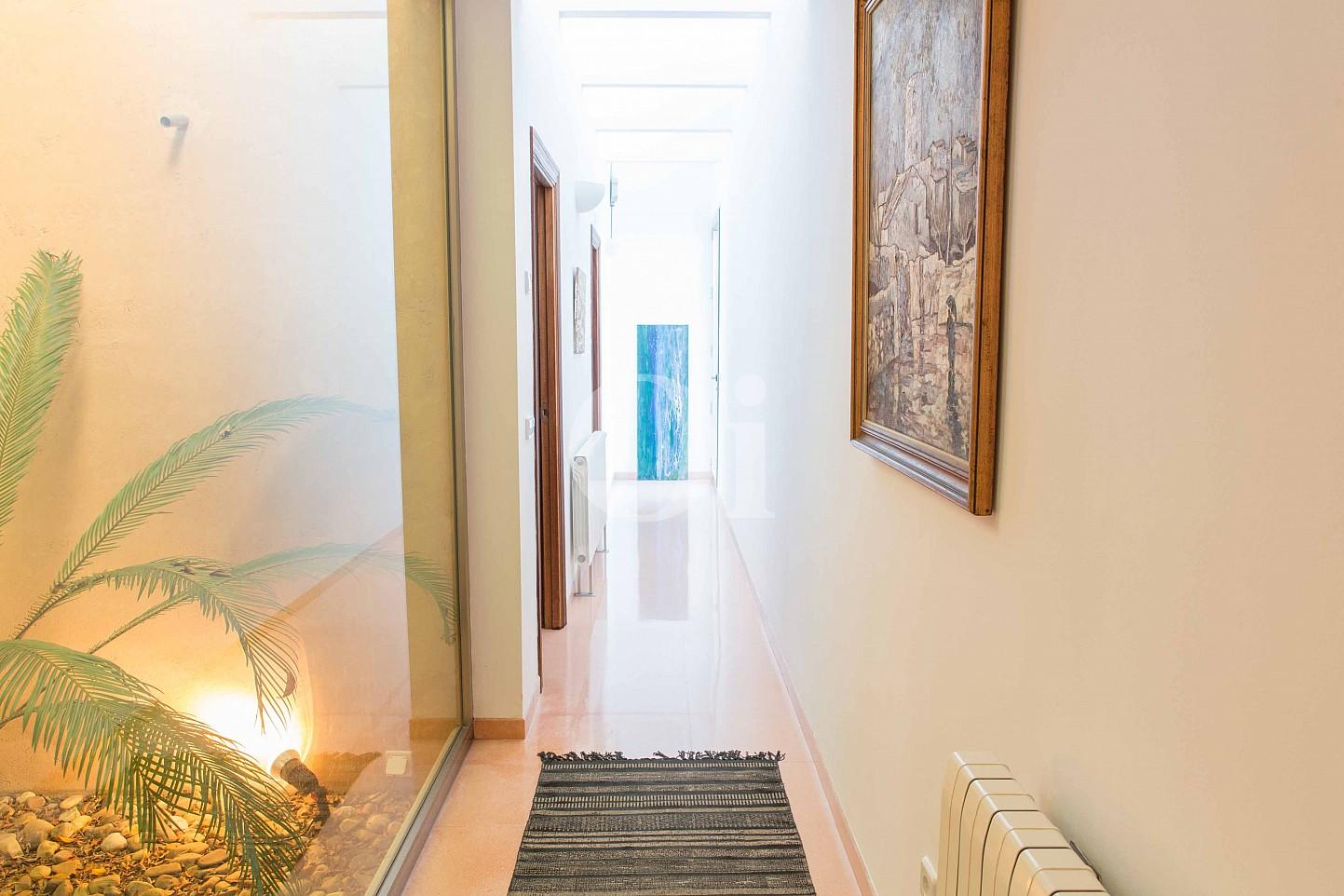 Pasillo de moderna villa en venta en Artá, Mallorca