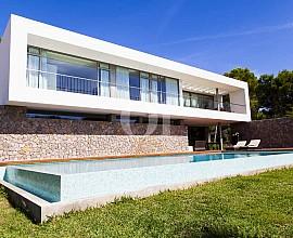 Impresionante casa minimalista en venta en Cala Ratjada, Mallorca