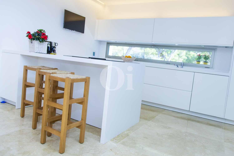 Salón-comedors de impresionante casa minimalista en venta en Cala Ratjada, Mallorca