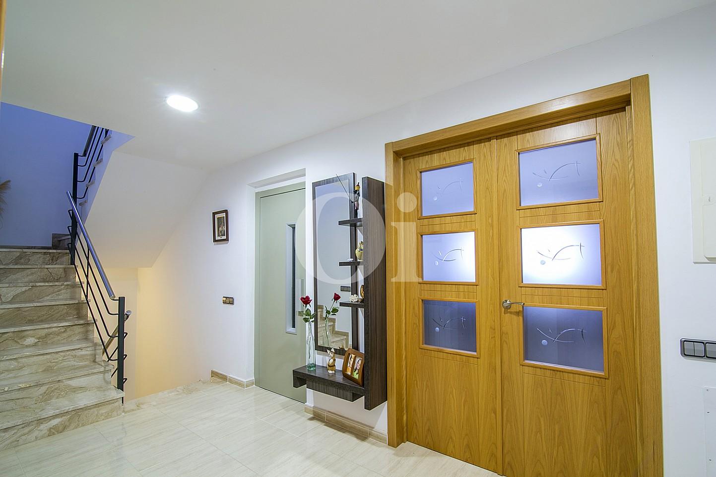 Zugang zum oberen Stock  eines Hauses mit Anblicken zum Verkauf in Lloret de Mar, Costa Brava