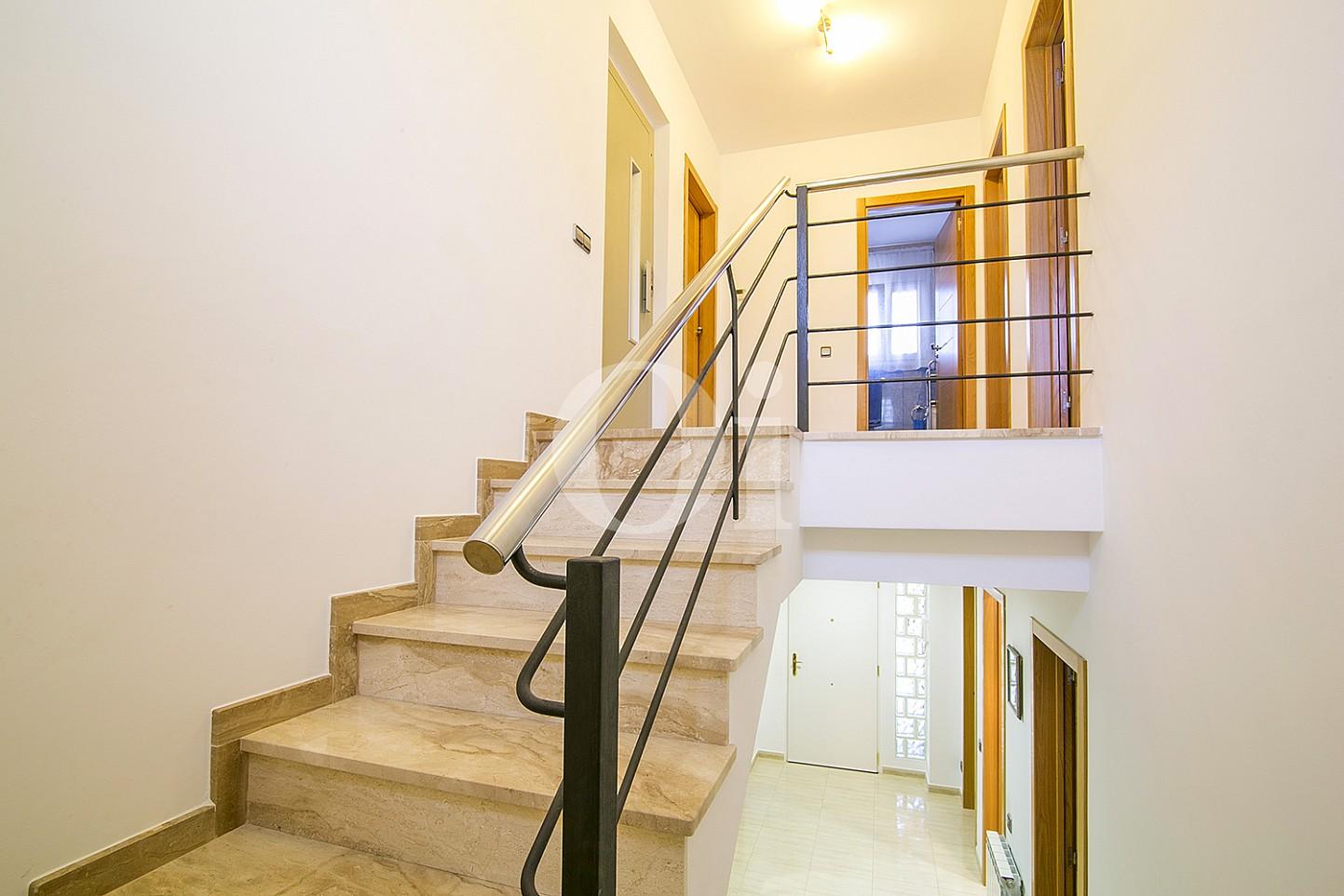 Zugang zum obersten Stock  eines Hauses mit Anblicken zum Verkauf in Lloret de Mar, Costa Brava