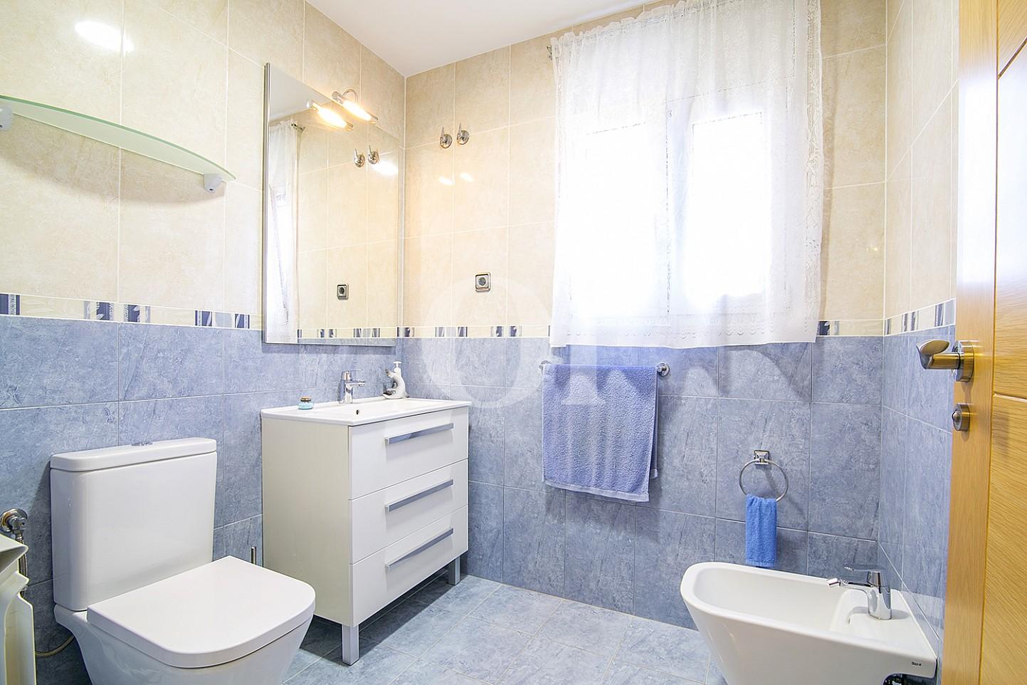 Baño de casa en venta con vistas al mar en Lloret de Mar, Costa Brava