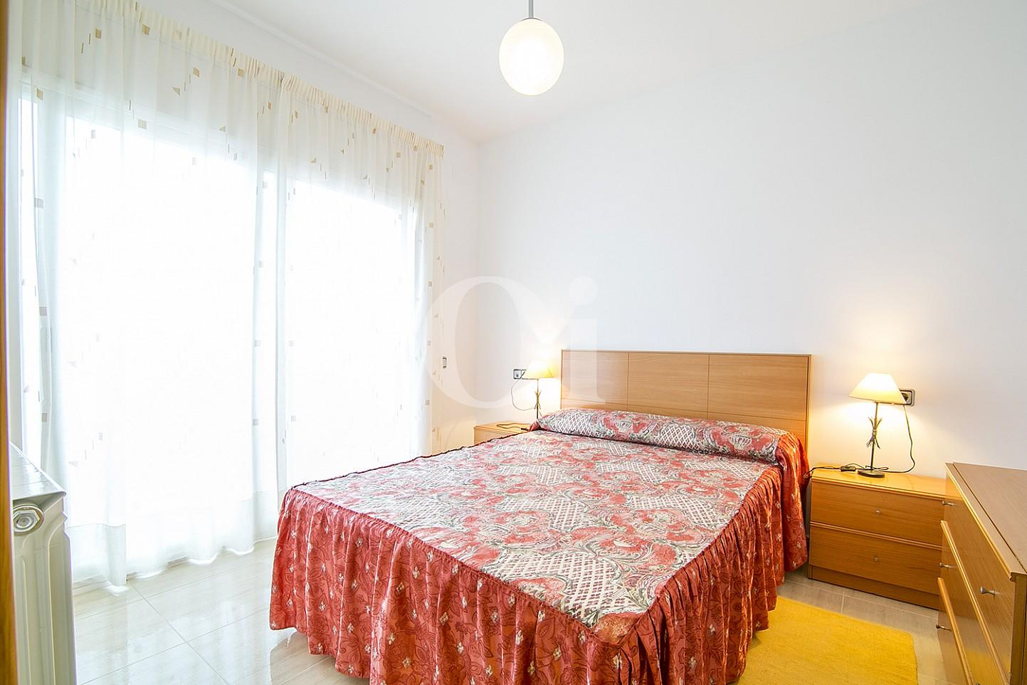 Dormitorio de casa en venta con vistas al mar en Lloret de Mar, Costa Brava