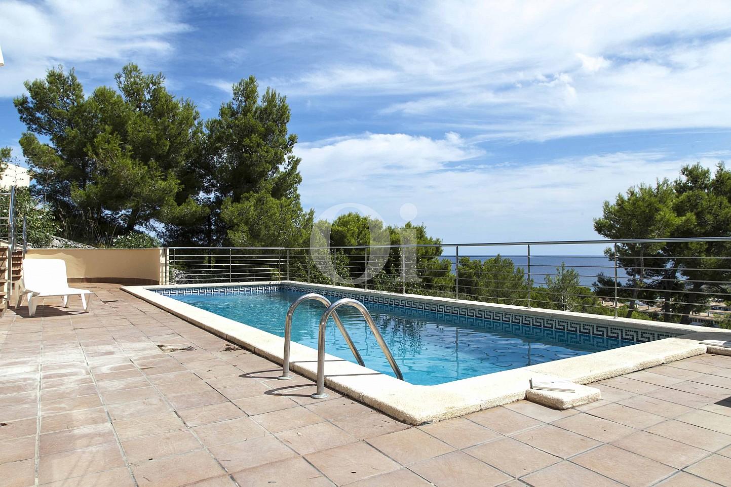 Swimming-Pool eines Hauses zum Verkauf im exklusiven Wohngebiet Mallorcas