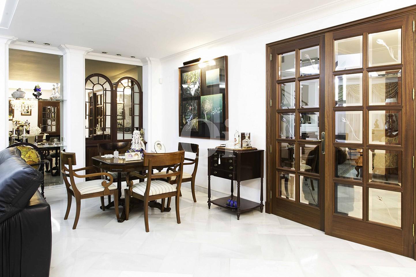 Salón-comedor de lujosa villa en venta en San Lorenzo, Mallorca