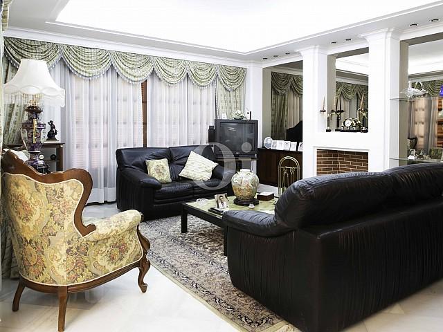 Sala de estar de lujosa villa en venta en San Lorenzo, Mallorca