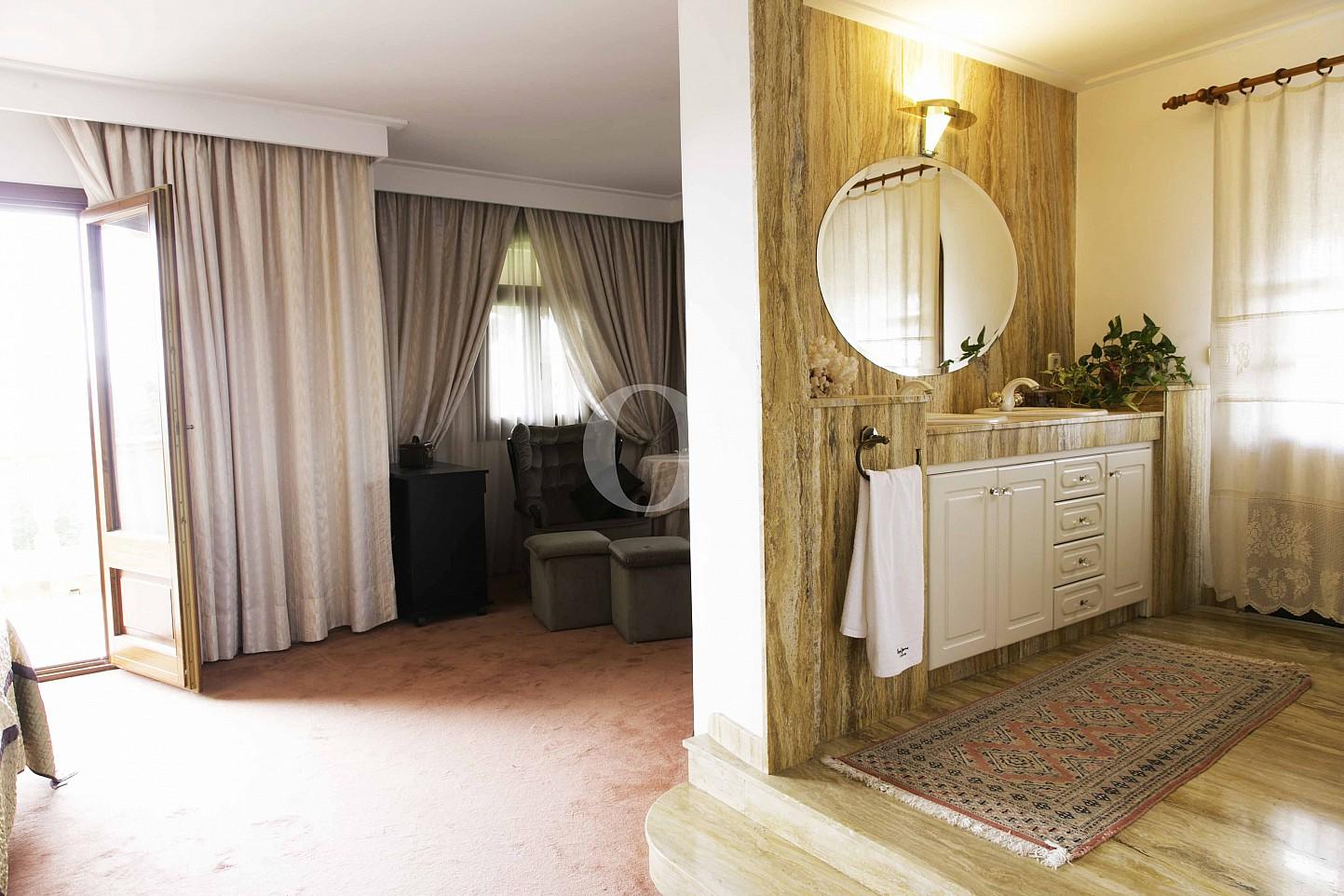 Vistas interiores de lujosa villa en venta en San Lorenzo, Mallorca