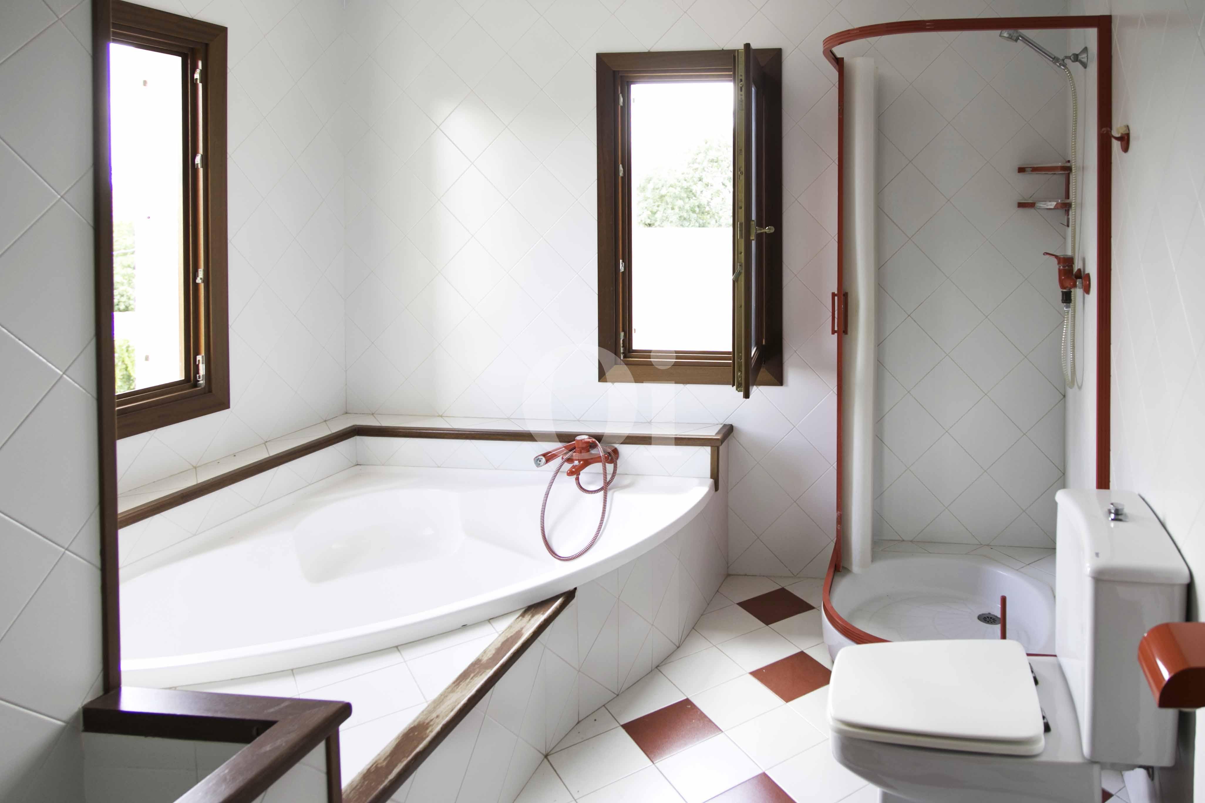 Badezimmer  einer luxuriösen Villa zum Verkauf in San Lorenzo, Mallorca