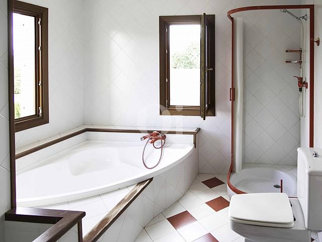 Bany d'una vila luxosa n venda a Sant Llorenç, Mallorca