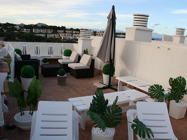 Terraza soleada de casa en venta en Mallorca con preciosas vistas