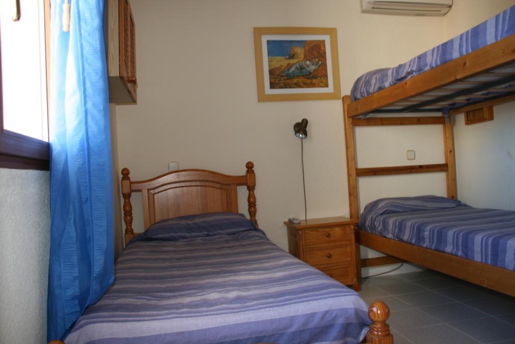 Schlafzimmer eines Reihenhauses zum Verkauf in Cala Murada, Mallorca
