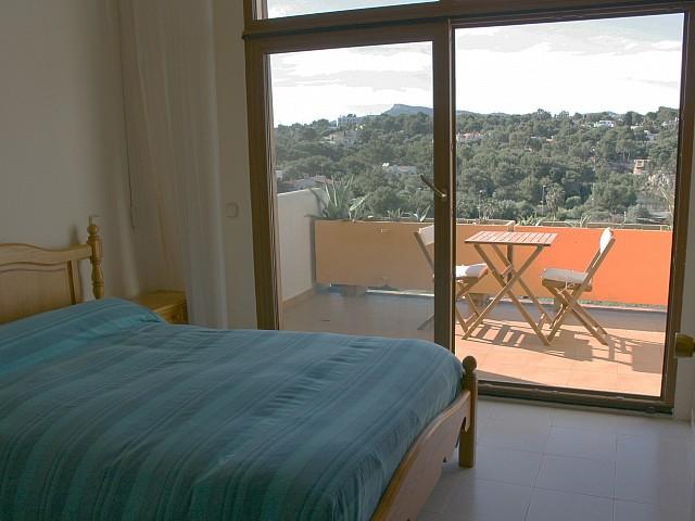 Dormitorio de casa en venta en Mallorca con preciosas vistas