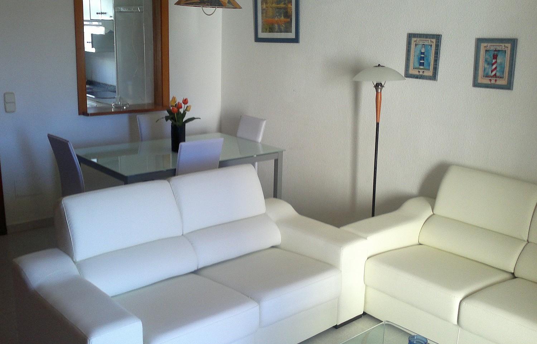 Wohnzimmer  eines Reihenhauses zum Verkauf in Cala Murada, Mallorca