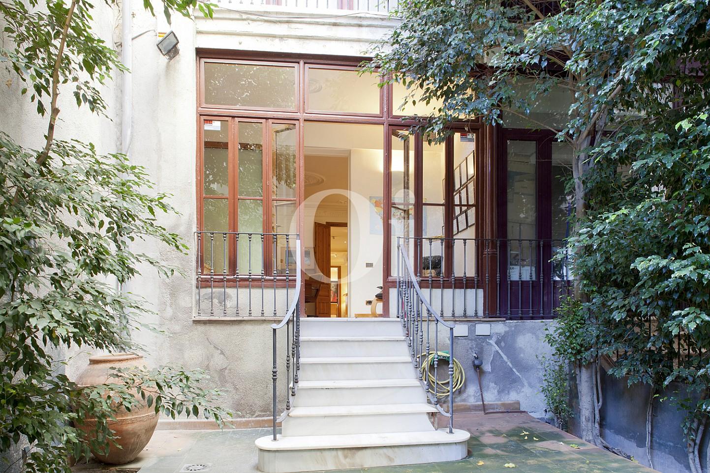 Zugang zu den innen Räumen einer Wohnung zum Verkauf im Viertel Eixample Derecho Barcelonas