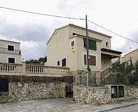 Продается красивый дом в жилом комплексе Villas de Cala Romántica, Майорка