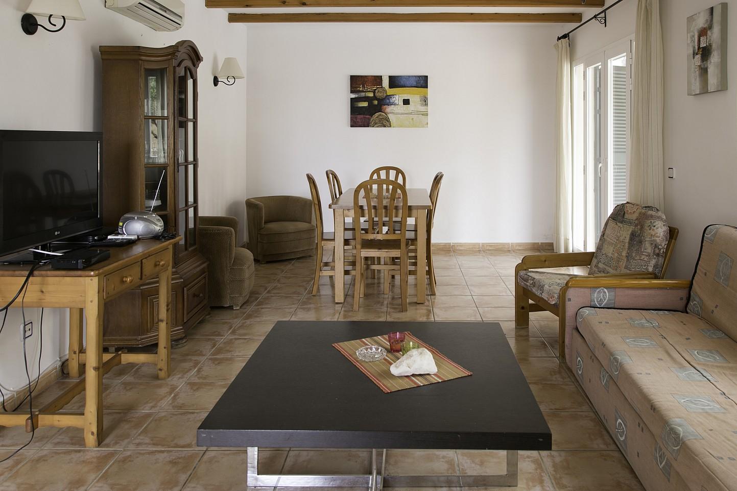 Sala de estar de bonita casa en venta en Urb. Villas de Cala Romántica en Mallorca