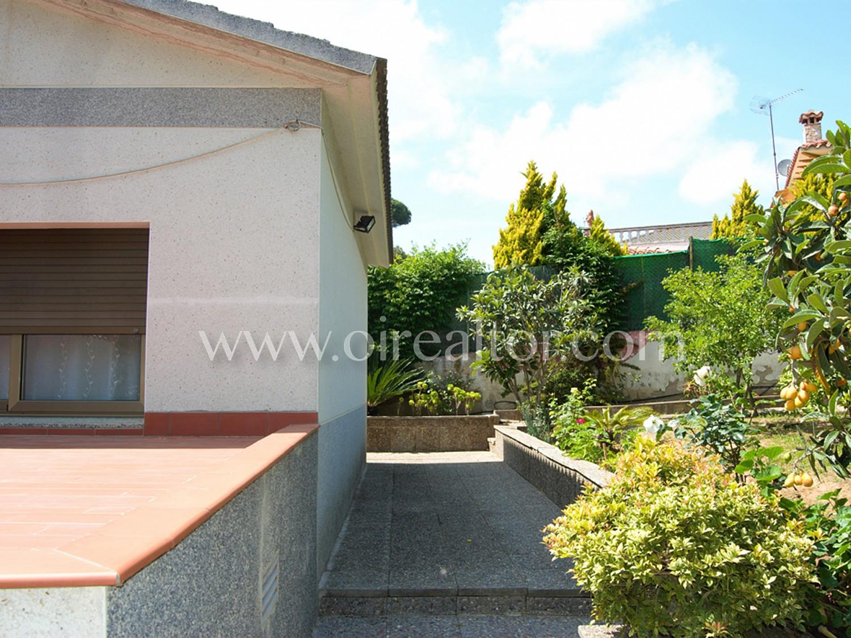 Красивый дом на продажу в Льорет-де-Мар
