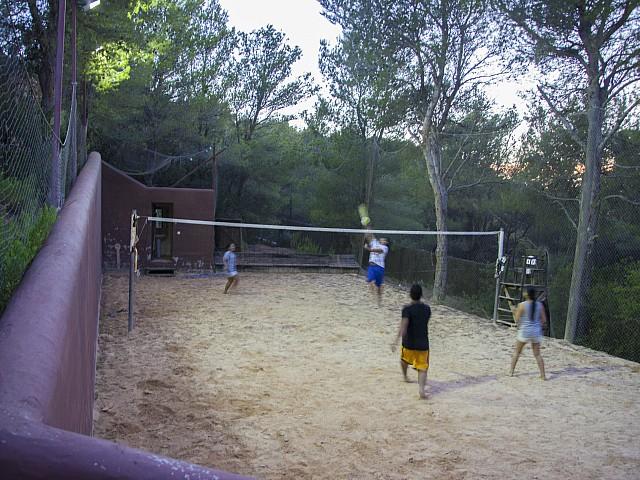 Canxa de voleibol d'una villa única de luxe en lloguer a Portixol, Eivissa