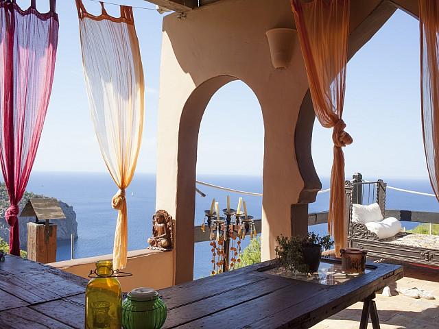 Vistas al mar de villa única de lujo en alquiler en Portixol, Ibiza
