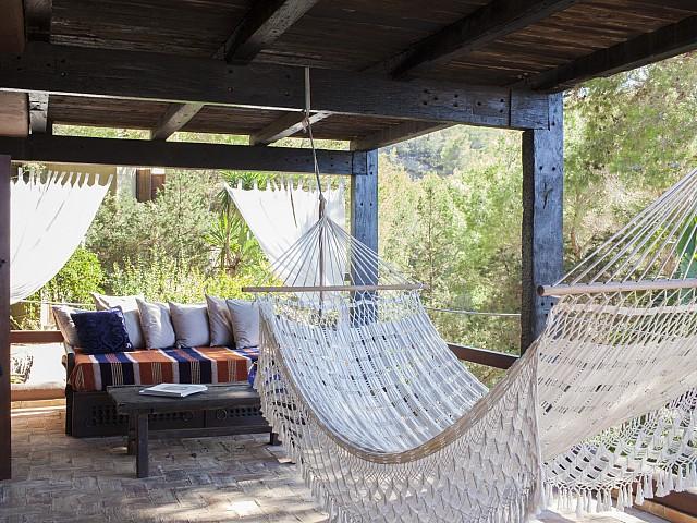Porxo d'una villa única de luxe en lloguer a Portixol, Eivissa