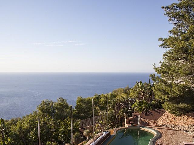 Вид на море из виллы в аренду на Ибице