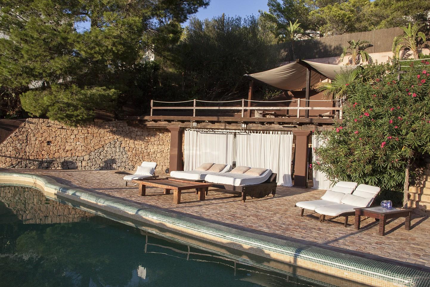 Piscina d'una villa única de luxe  en lloguer a Portixol, Eivissa