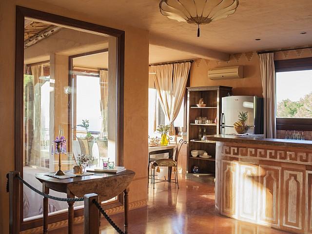 Vistas de preciosa villa en alquiler con vistas panorámicas en San Miguel, Ibiza