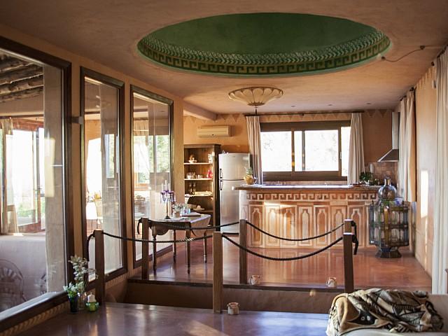 Vistas interiores de preciosa villa en alquiler con vistas panorámicas en San Miguel, Ibiza
