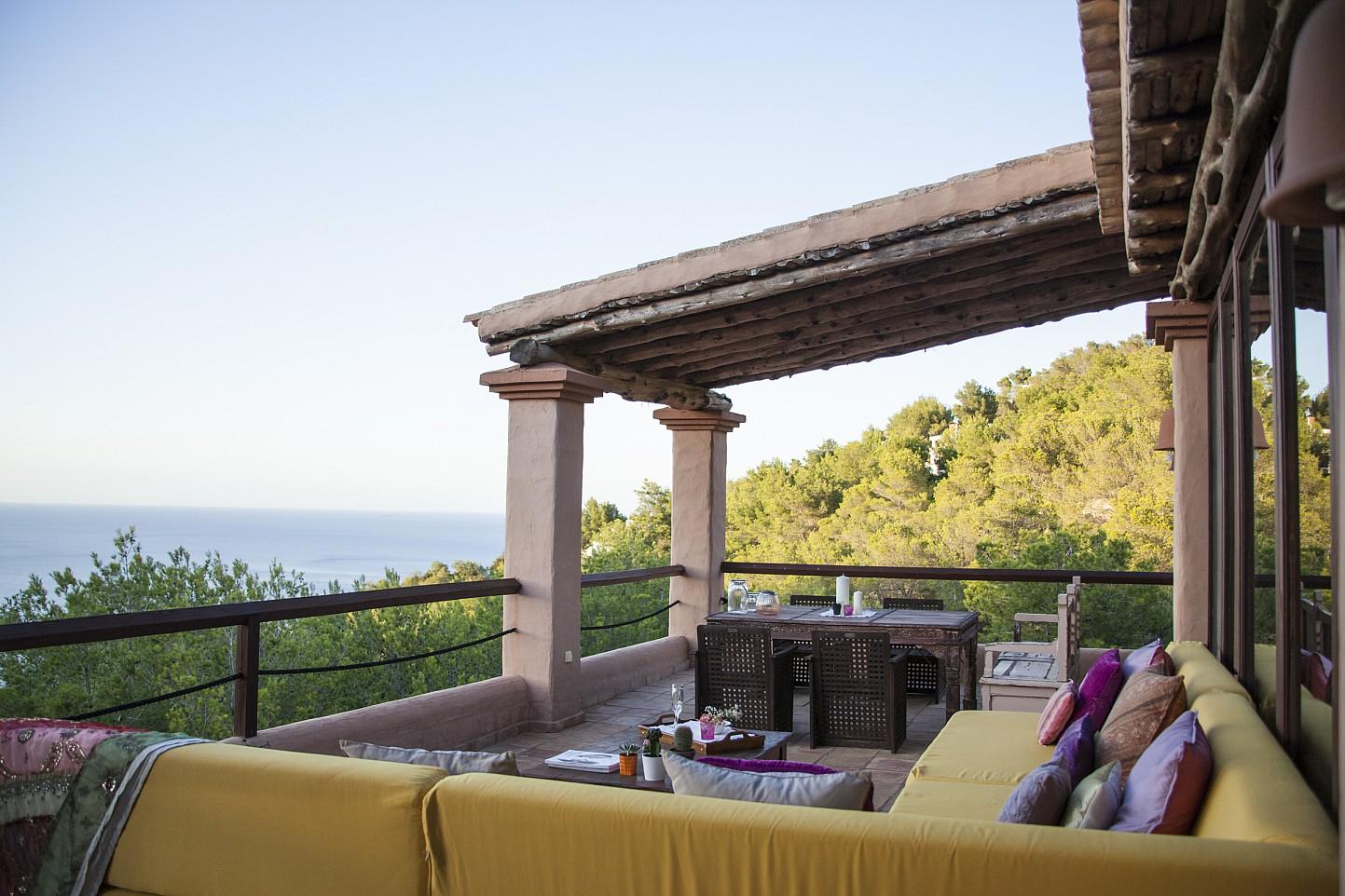Alrededores de preciosa villa en alquiler con vistas panorámicas en San Miguel, Ibiza