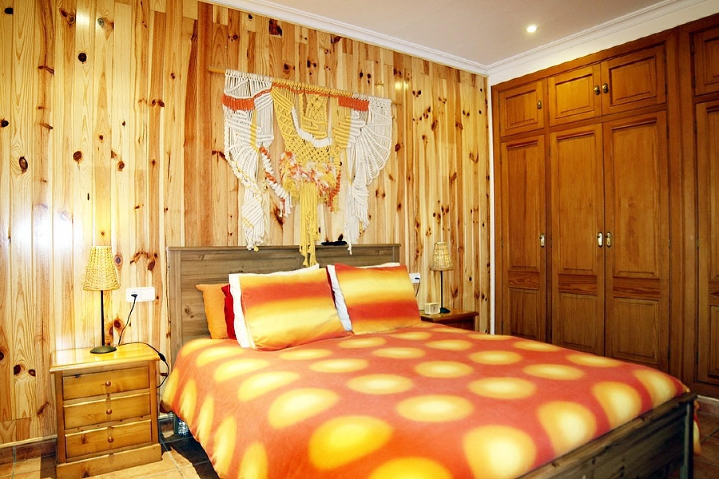 Habitación de matrimonio de casa unifamiliar con mucho encanto en venta en Llucmajor, Mallorca