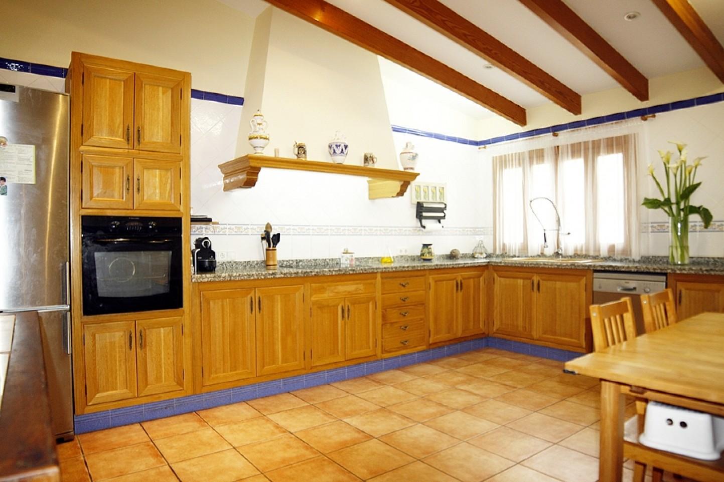 Cocina de casa unifamiliar con mucho encanto en venta en Llucmajor, Mallorca