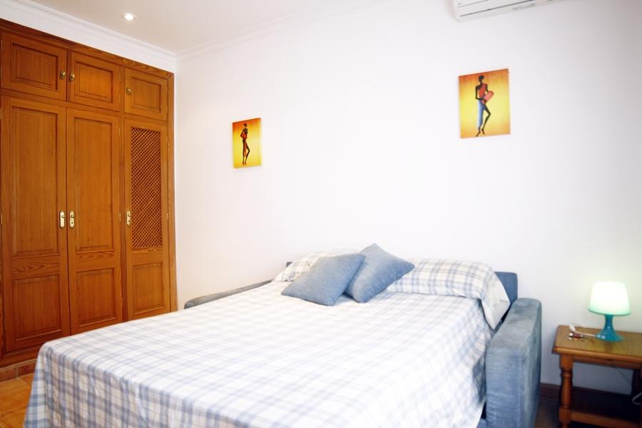 Dormitorio de casa unifamiliar con mucho encanto en venta en Llucmajor, Mallorca