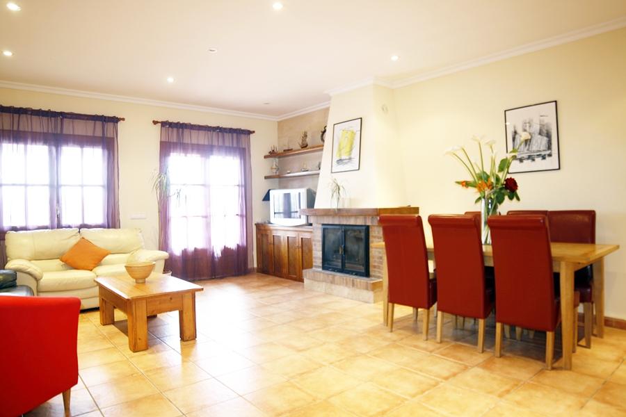Sala de estar de casa unifamiliar con mucho encanto en venta en Llucmajor, Mallorca