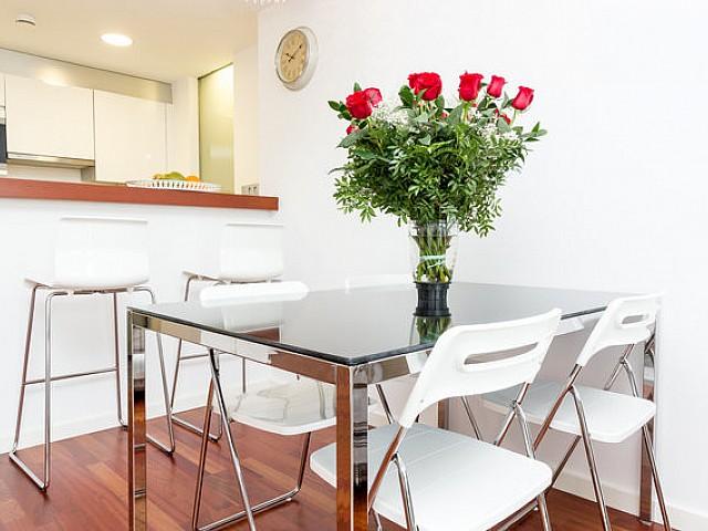 Столовая квартиры в аренду на Барселонете