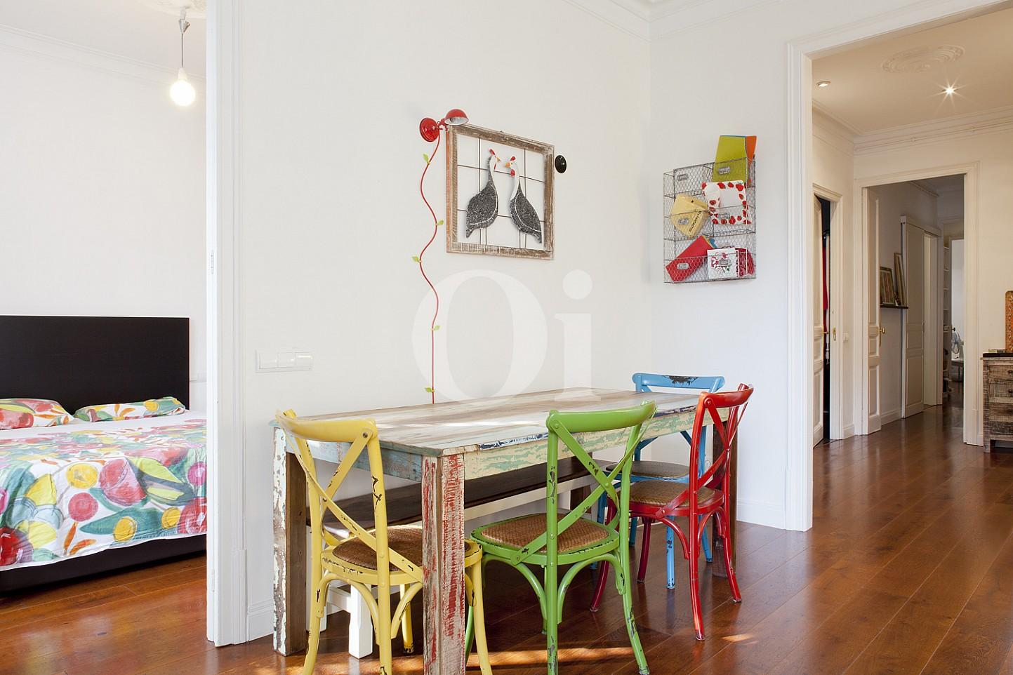Salón-comedor de maravilloso piso en venta en el corazón del Eixample, Barcelona