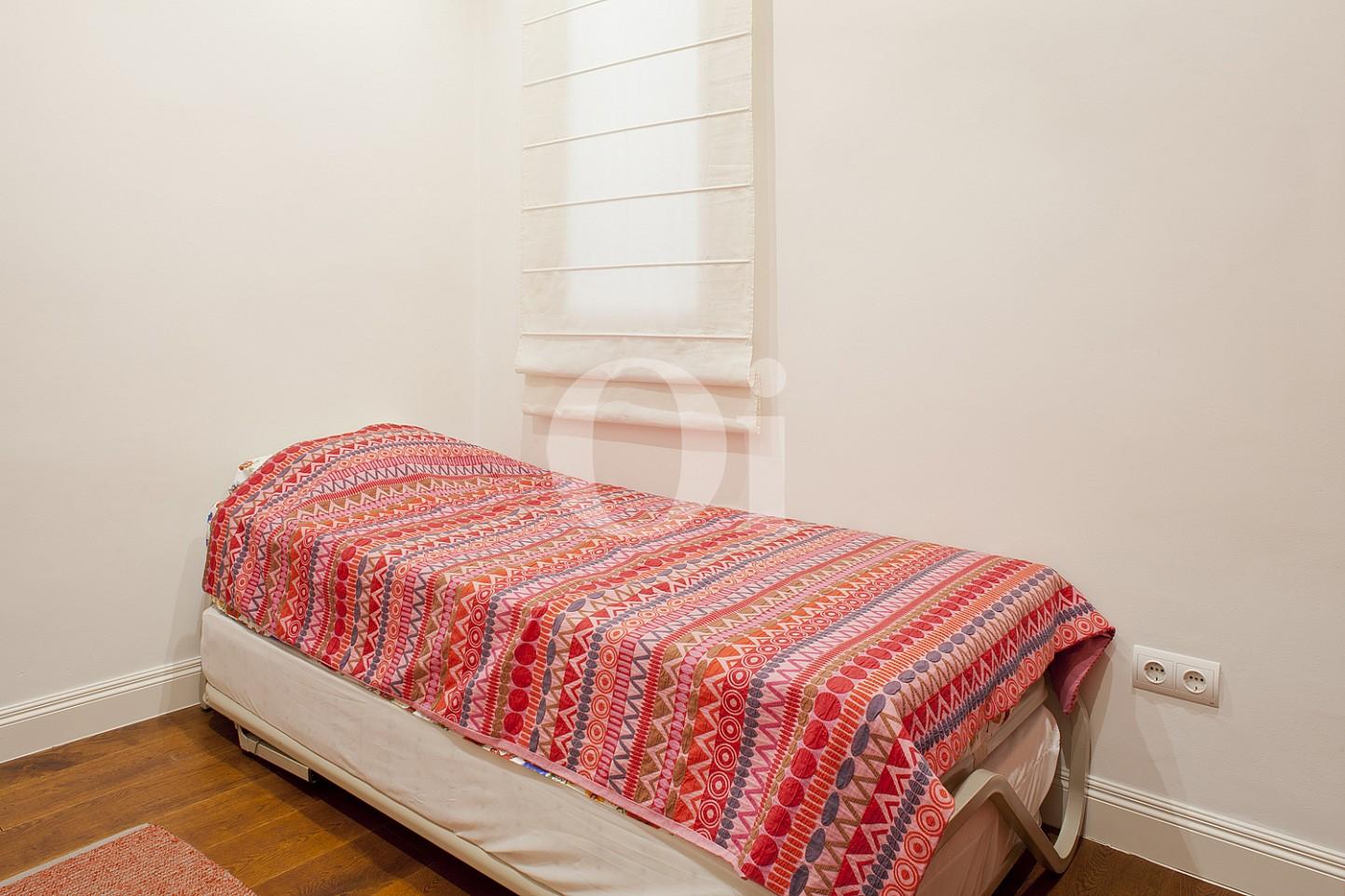Dormitorio de maravilloso piso en venta en el corazón del Eixample, Barcelona